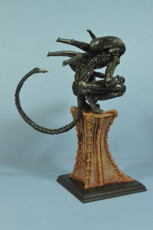 Alien on Pedestal