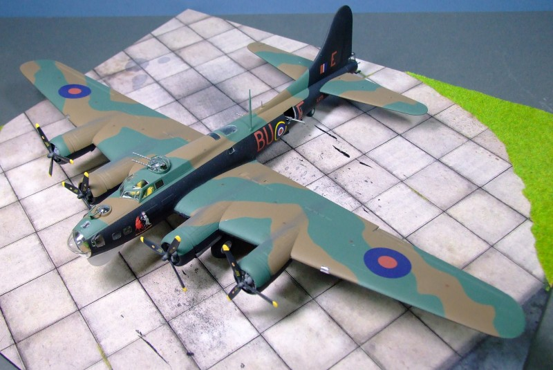 B-17G Flying Fortress III, 214 Sdn, 100 Group, RAF, 1944, 1:72
